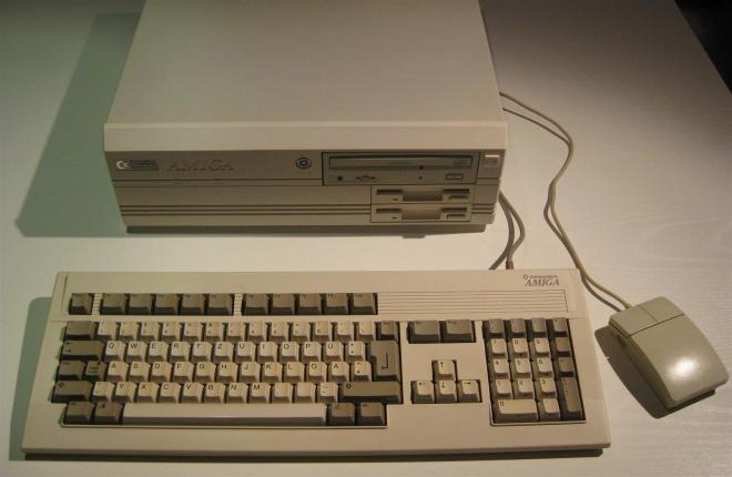 Amiga_4000_Retroport_006+$28Gro$C3$9F$29