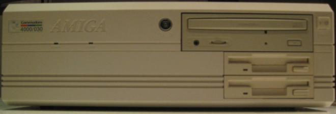 Amiga_4000_Retroport_009+$28Gro$C3$9F$29