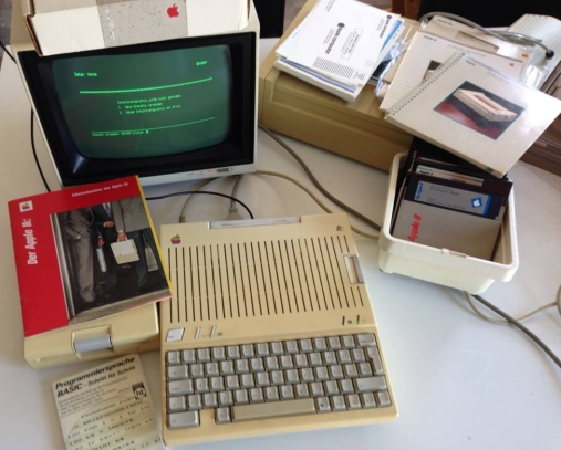 apple_iic_retroport.jpg