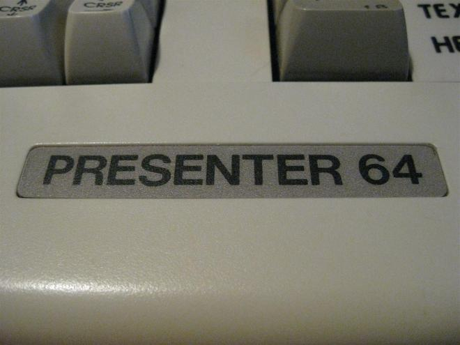 C64C_Presenter_64_Retroport_04+$28Gro$C3$9F$29