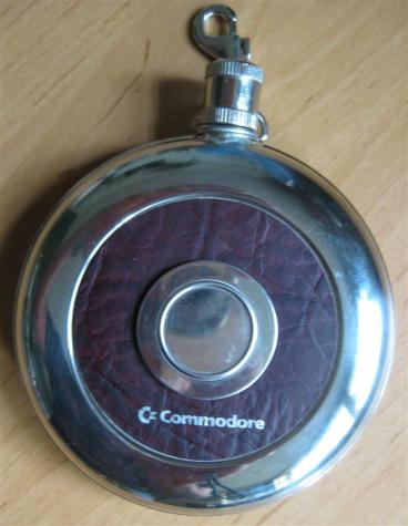 Commodore_Flachmann_Retroport_1+$28Large$29