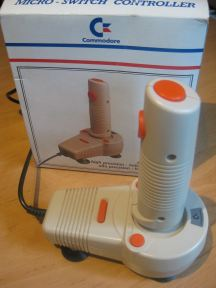 Commodore_Joystick_CBM_1399_Retroport_01