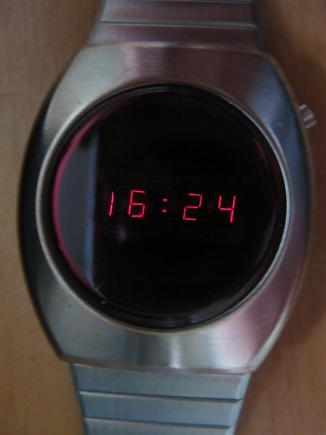 Commodore_LED_Uhr_CBM_Time_Retroport_02+$28Large$29