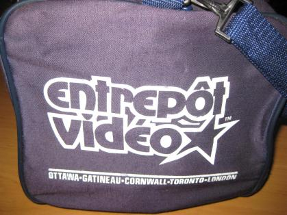 Commodore_Tasche_Video-Warehouse_3_Retroport+$28Large$29