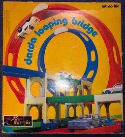 Darda_Looping_Bridge_Retroport