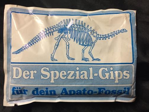 YPS_1143+Das+Apato-Fossil+-+Retroport.jpg