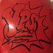 YPS1240_gigantischer_Moster-Handschuh_Retroport_02
