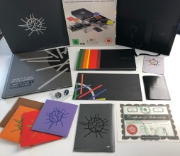 DM_Sounds_Of_The_Universe_Deluxe_Box2