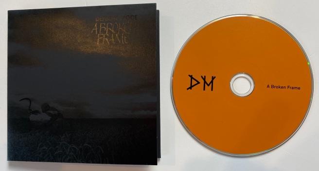 Depeche_Mode_MODE_Retroport_08